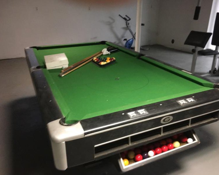 8OS' Gandy Big G Pool Tables