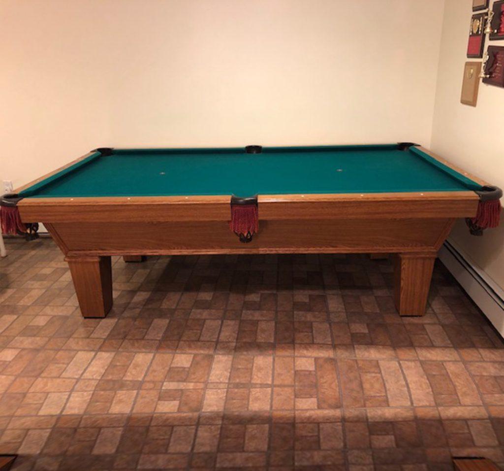 8′ Olhausen Pool Table